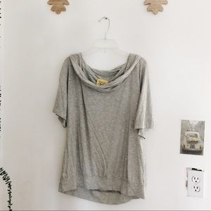 St John Spa | Comfy Casual Grey Scoop Neck Tee